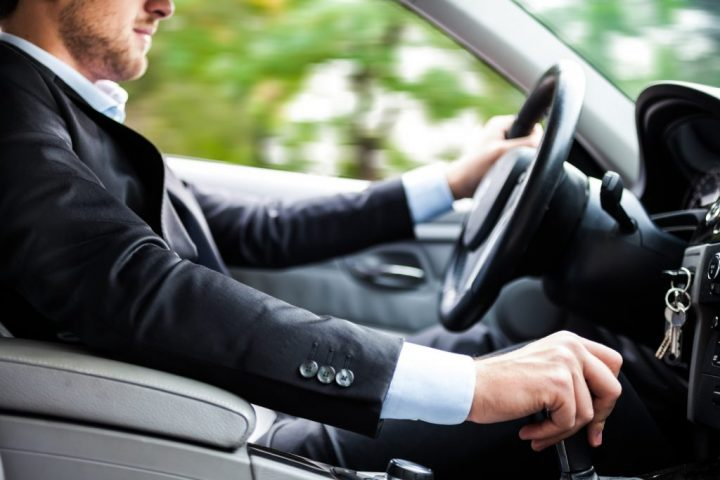 Cách lái xe nhanh và an toàn